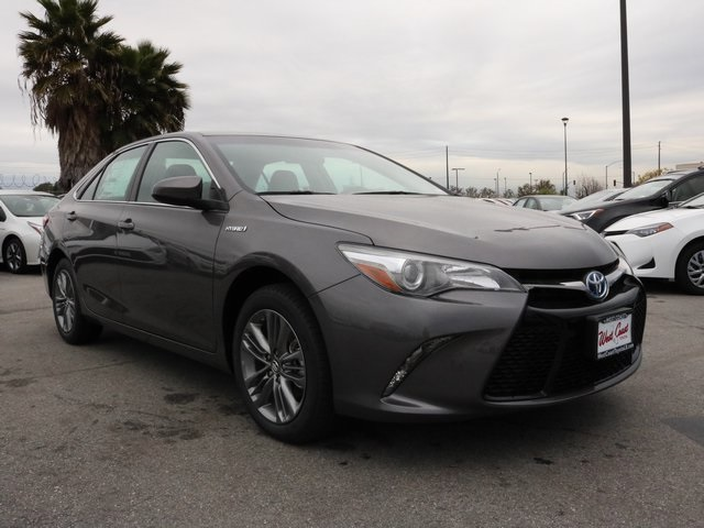new 2017 toyota camry hybrid se 4d sedan in long beach u212910 west coast toyota. Black Bedroom Furniture Sets. Home Design Ideas