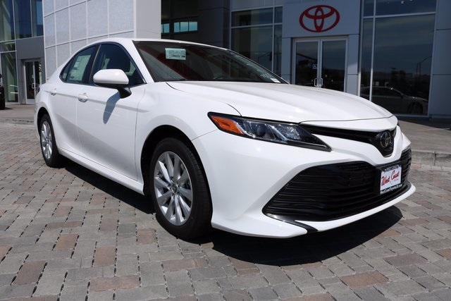 toyota new camry 2018. simple new new 2018 toyota camry le and toyota new camry